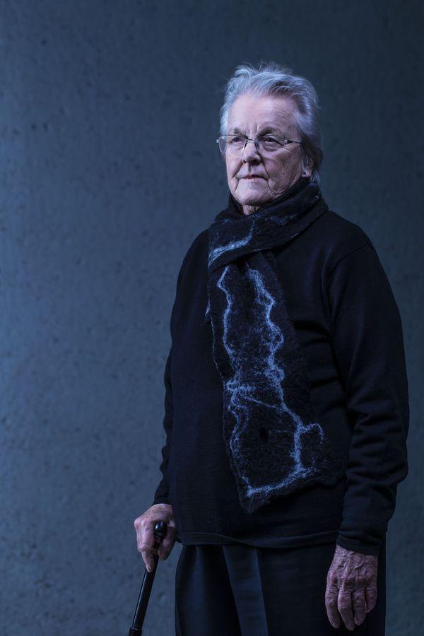 Portrait of artist Vivienne Binns