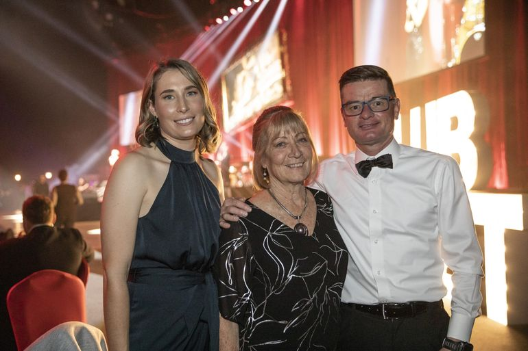 Shirley Mclean, Chris Green, Dr Jess Martyn at RFDS Central Operations' 'Wings For Life' Gala Event — Club Cabaret