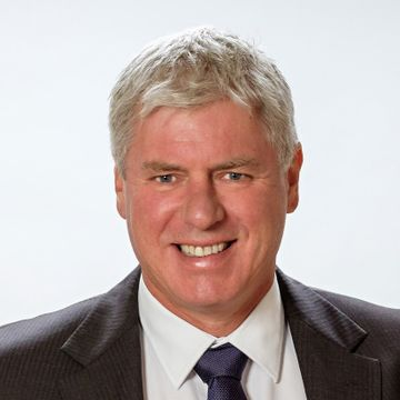 Dr James Cretan