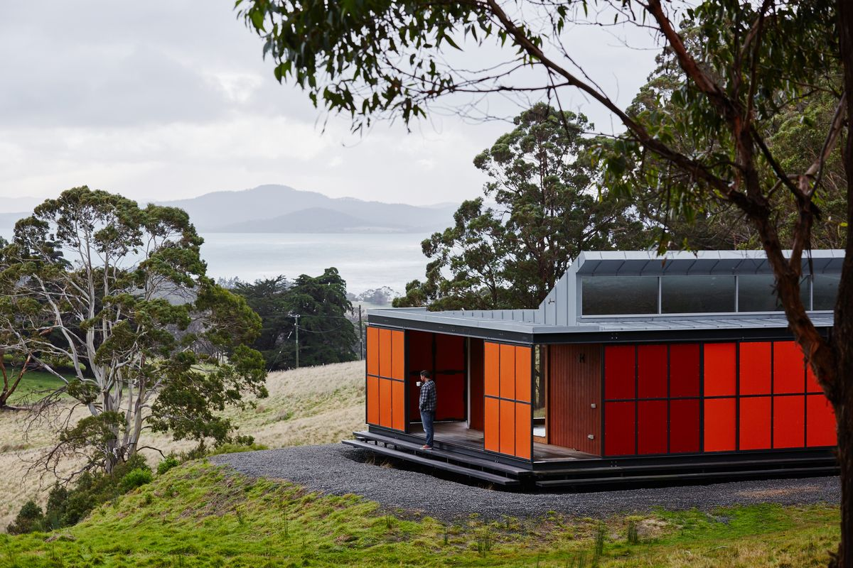 MIsho and Associates, Premaydena House, Tasmania, 2013