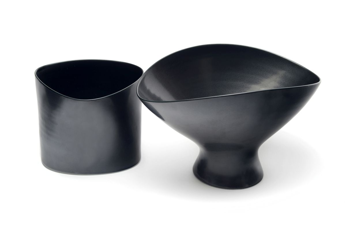 Black triangulated form and Black pedestal bowl, 2019. Photos: Terence Bogue