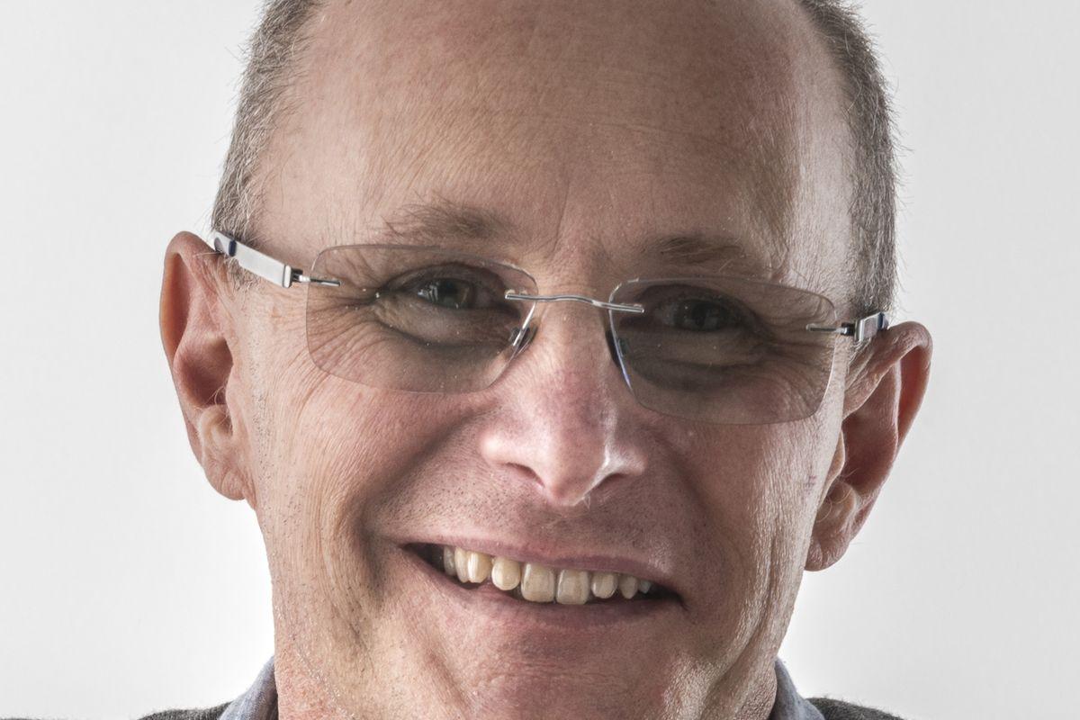 Ian Bromley, portrait